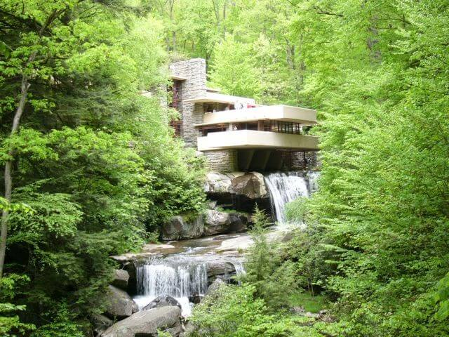 معماری آمیخته ای از هنر و علم است