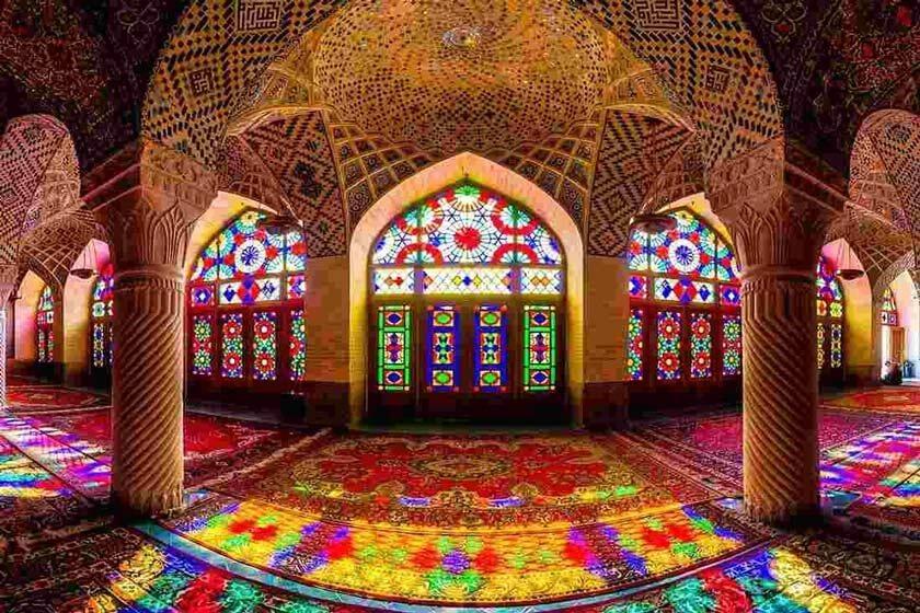 جادوی نور و رنگ در مسجد نصیرالملک