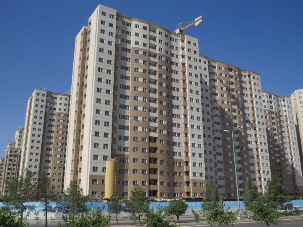 استقرار بنا در شهرک آزادشهر