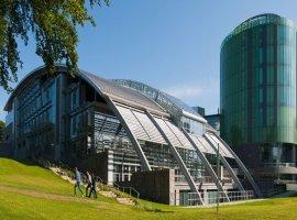 دانشکده گوردون هال یک معماری پست مدرن