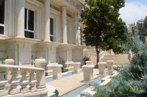 حیات ساختمان کلاسیک